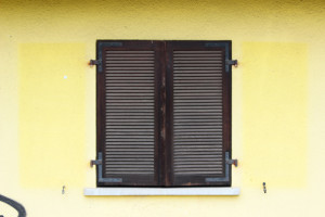FelixLiebig Darmstadt Fensterladen zu